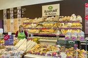 Alnatura wird von regionalen Bio-Bäckern beliefert und kann so ein hochertiges Backwarensortiment bieten.