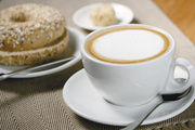 Der flat white – ein Milchkaffee mit doppeltem Schaum – wird nächstes Jahr in sein, prophezeit Trendforscher Ludger Schlautmann.