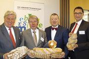 Brotexperten (von links): Peter Becker, Stephan Becker-Sonnenschein, Andrea Fadani und Michael Kleinert.