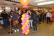 Der Andrang vor der Dunkin' Donuts Filiale war am Eröffnungstag riesig.