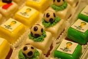 Einige von vielen Möglichkeiten, Produkte rund um die Fußball-WM zu kreieren.