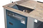 Die Brotschneidemaschinen sind platzsparend in die Verkaufstheke integriert.