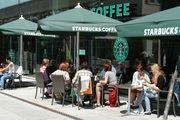 Starbucks nutzt seinen guten Namen und die neuen Konzepte, um die Filialisierung voranzutreiben.