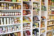 Vegetarier kaufen besonders gern bei Rewe, Aldi und Edeka, aber auch in Bioläden und Reformhäuser ein.