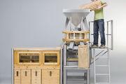 Mahlen und sichten: Die an die Mühle von Häussler angeschlossene Siebmaschine trennt das Mahlgut in bis zu sechs Fraktionen.
