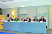 Das ZV-Präsidium bei der Tagung in Frankfurt (von links): Wolfgang Schäfer, Heribert Kamm, Michael Wippler, Peter Becker, Amin Werner und Heinz Hoffmann.