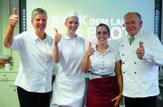 Die Juryvorsitzenden Brigitte Ewald und Gerold Heinzelmann mit den Siegerinnen: Bäckerin Tanja Angstenberger und Verkäuferin Debora Gatti.