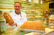 Retouren erreichen bei Holger Weißert niemals die Ein-Prozent-Marke: Das Brot wird in ein Heim geliefert.