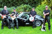 Die Colorados-Revival-Band mit Gitarrist und Sänger Theo Westarp (links) spielt Oldies der 60er-, 70er- und 80er-Jahre - fetziger und knackiger als zu der Zeit.