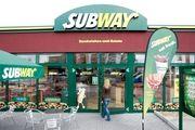 Subway ist in Hamburg gut unterwegs.