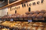 Ob Erster Wiener oder  Heberer's Traditional Bakery  - das Unternehmen konzentriert sich erfolgreich auf Hochfrequenzlagen.