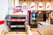 2014 hat Ditsch am Berliner Ostbahnhof die erste Filiale mit neuem Erscheinungsbild eröffnet.