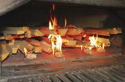 Hat erheblich Einfluss auf die Emissionen: das richtige Stapeln des Holzes.