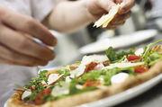 Der Außer-Haus-Markt brummt; Bäcker machen Wirten mit warmen Speisen das Geschäft streitig.