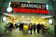 Der Gast braucht bald nicht mehr ins Burger-Restaurant, denn die Burger werden künftig auch nach Hause geliefert.