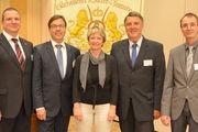Neu gewählter Vorstand (von links): Roland Ermer und sein Team mit Frieder Francke, Martina Hübner, Matthias Brade und Mathias Möbius.