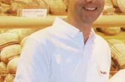 Sascha Schäfer, Geschäftsführer der Bäckerei Schäfer im hessischen Rodgau, schreibt Entschuldigungs-Briefe.