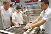 Bei Live-Vorführungen lernen Bäcker neue Maschinen kennen.