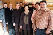 Unser Bild zeigt: Hubert und Alexandra Kremer zusammen mit Bürgermeister Werner Schütz, Hausbesitzerin Maria Sorriento (von rechts) und weiteren Ehrengästen der Eröffnung.
