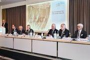 Der Aufsichtsrat bei der Generalversammlung in Essen.