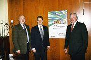 Zuversichtlich, dass die neue branchenübergreifende Fachmesse ein Erfolg wird, sind v.l.: Manfred Rycken (Präsident des Dt. Fleischer-Verbandes), Stephan Ph. Kühne (Deutsche Messe AG), Lutz Henning (Vorstand Bäko Zentrale Nord)