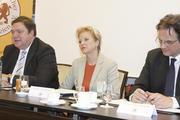 Der Vorstand des Verbandes Deutscher Großbäckereien mit Präsidentin Ulrike Detmers und den Geschäftsführern Armin Juncker und Alexander Meyer-Kretschmer (rechts).