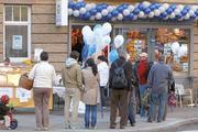 Wer's richtig macht, bei dem stehen die Kunden gerne Schlange. Wie hier in der kleinen Bäckerei Bosch in Stuttgart.