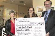 Veit-Geschäftsführer Johannes Klümpers (von rechts), Maren Augustin, JAM Deutschland, Susanne Erb-Weber, Marketingleitung bei Veit.