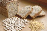 """Brot mit Eiweißanreicherung: Die weiße Lupine kann als """"Grits"""" dem Teig zugegeben werden."""