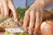 Um eine ausgewogene Ernährung zu gewährleisten, sollten Veganer Brot in ihren Essensplan mit einbauen.