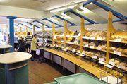 """Filiale von """"Baking Friends"""" in der Innenstadt von Rheine/Westfalen. Bei der Einrichtung ihrer Geschäfte wird die Branche inzwischen hochwertiger. Hierzu tragen auch spezielle Konzepte nahezu aller großen Ladenbauer bei."""