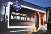 Ausgezeichnet: Für kreative Werbung wie diese auf einem Lastwagen erhielt die Bäckerei Schneider einen Marketingpreis.