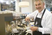 Alles automatisch mit Flair: die neue Siebträgermaschine espresso von WMF.