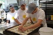 In der Bäckerei von Thomas Wegener, dem BakerMaker-Gewinner 2015, sind die Auszubildenden hoch motivert.