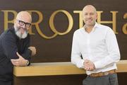 Jürgen Bräuninger (li.) und Marcus Fischer, die Geschäftsführer des gemeinsamen Unternehmens Brothaus.
