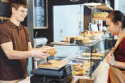Sind Kunden wählerisch oder anspruchsvoll, heißt es Haltung bewahren und beraten.