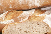 Was darf rein ins Brot? Wie soll es heißen? Antworten auf solche Fragen stehen im Lebensmittelbuch.