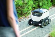 Lieferroboter bei der Arbeit: Sensoren und Kameras schaffen Orientierung.