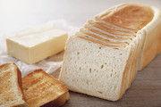 Ein Toastbrot soll eine dünne Kruste  und eine helle, gleichmäßige Krume haben.