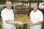 Hand in Hand: 2008 hat Stefan Reinmuth (links) den Betrieb von seinem Vater Friedrich übernommen.
