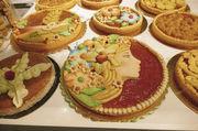 Handwerkliche Tradition im Kommen: schön verzierte Kuchen in der Bäcker-Halle.