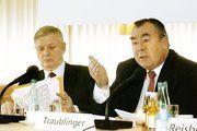 IHM-Vor-Pressekonferenz (v.l.n.r.) mit Hanns-Eberhard Schleyer, Generalsekretär des Zentralverbandes des Deutschen Handwerks (ZDH) und Heinrich Traublinger, Vorsitzender des Aufsichtsrates der GHM, ZDH-Vizepräsident und Präsident der Kammer für Münch