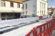 Abgrenzung: Die Stadt hat die Straße vor der Bäckerei Bauer in Pfinztal-Kleinsteinbach komplett gesperrt.