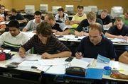 Die staatliche Förderung könnte gegen den Lehrlingsmangel helfen.