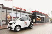Die Fahrer bringen Burger und Co. zu den Kunden nach Hause.