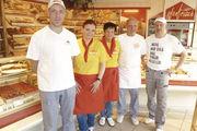 Die Familie Reuss arbeitet als fünfköpfiges Team in ihrer Bäckerei in Ettlingen.