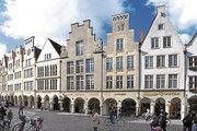 Der Prinzipalmarkt mit dem Rathaus ist das  architektonische Aushängeschild der Stadt Münster.