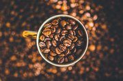 Kaffee so stark, da könnte man fast die Bohne trinken.