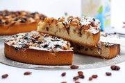 Vegetarische und vegane Kuchen wie dieser vegene Apfelkuchen erweitern das reichhaltige Angebot in einer Konditorei.