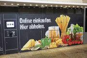 Edeka-Testprojekt am Stuttgarter Hauptbahnhof: online bestellen und auf dem Heimweg abholen.